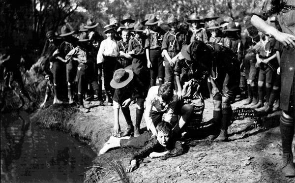 Life Saving Display, Como Oct 11, 1915. Image: J.X. Coutts